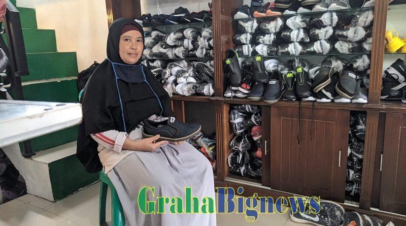 Meski Omzet Penjualan Sepatu Asela Garut Turun Drastis,  Pelanggan Setia Masih Terjaga