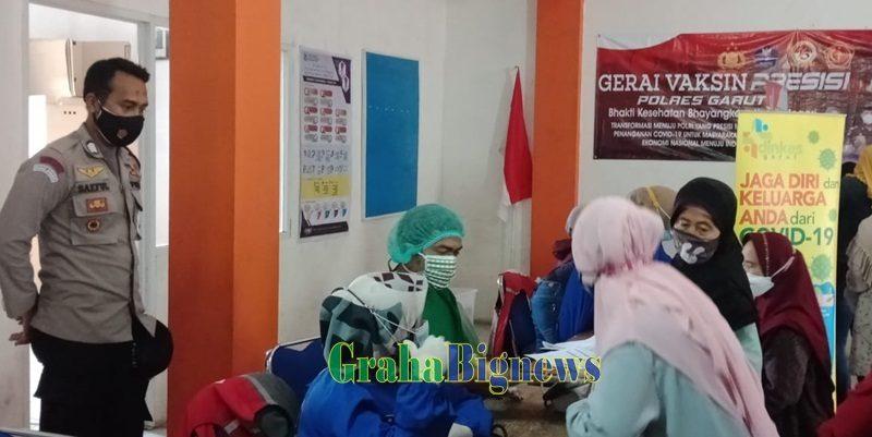 Polsek Tarogong Kaler Polres Garut Monitoring Pelaksanaan Gerai Vaksin Presisi, Bhakti Kesehatan Bhayangkara Untuk Negeri